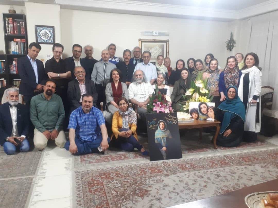 فعالان مدنی سالروز تولد نرگس محمدی را جشن گرفتند